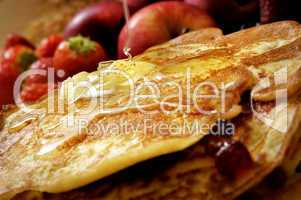 Pfannkuchen mit Butter und Sirup