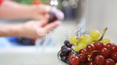 Früchte waschen