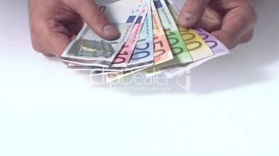 Geld in der Hand zählen