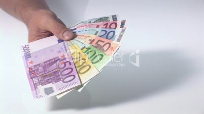 Fächer aus Geldscheinen - leichtes Ankippen
