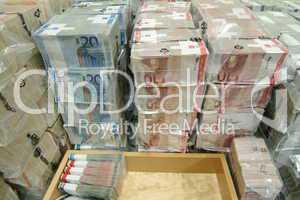 Euroscheine in Folie verpackt