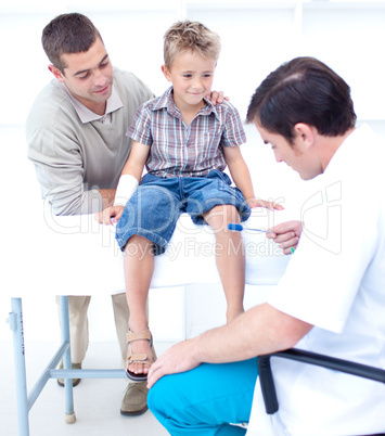 Doctor checking a patient reflexes