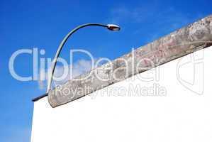 berlin wall and street light