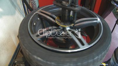 Repair and change of tires