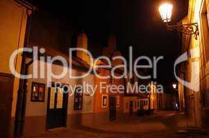 Prag: Goldenes Gässchen bei Nacht