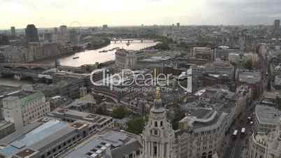 London: Stadtpanorama mit London Eye (Supertotale)