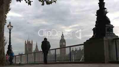 London: Abendstimmung an der Themse mit Blick auf den Big Ben