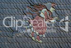 Schiefertafeln Dachzeigel mit dem Bildnis einer Hexe