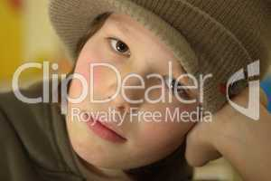 Junge mit Mütze