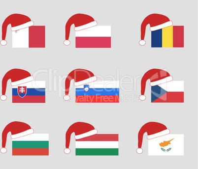 Eu-Flaggen zur Weihnachtszeit mit roter Weihnachtsmütze