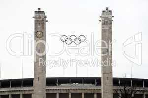 Olympische Ringe des Olympiastadion in Berlin