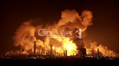 Raffinerie bei Nacht, Zoom in Unschärfe