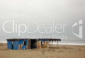 Verlassenes Strandhaus