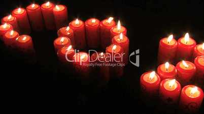 Carbon Dioxide geschrieben mit Kerzen
