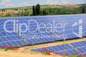 Solaranlage auf Feld - solar plant on field 03
