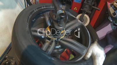 Repair and change tires