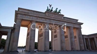 Berlin, Brandenburger, Zeitraffer, Tag/Nacht Übergang.
