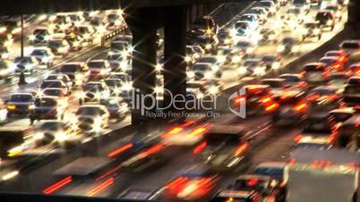 Zeitraffer Verkehr bei Nacht