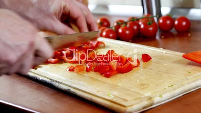 Slicing red pepper