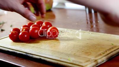 Slicing tiny tomatoes