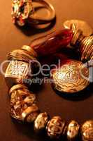 beautiful antique gold jewelry