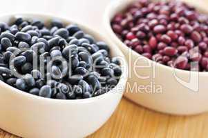 Black and red adzuki beans