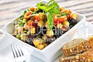 Vegetarian chickpea salad