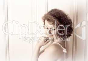 Erotisches Frauenportrait im Retro Look