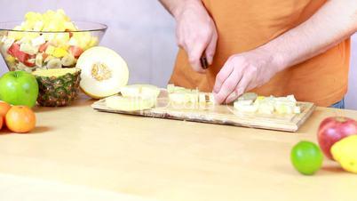 Slicing melon