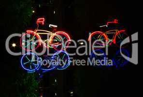 Beleuchtete Fahrräder Berliner Nacht