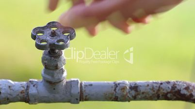 Opening and closing old tap (Full HD) DoF