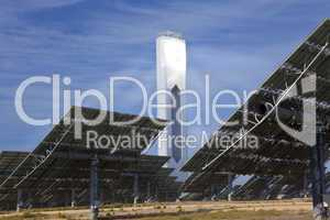 Renewable Green Energy Solar Tower Surrounded by Mirror Panels
