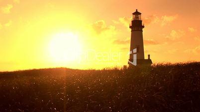 Leuchtturm im Sonnenuntergang