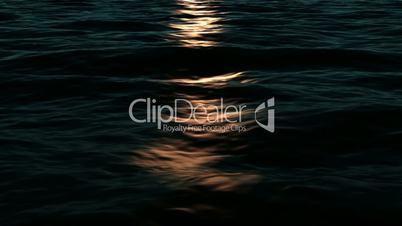 Golden Light on Ocean - Loopable Simulation
