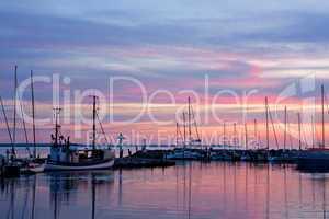 Sonnenuntergang an der Ostsee im Hafen von Timmendorf, Insel Poel