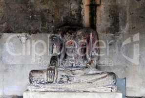 headless buddha innangkor wat