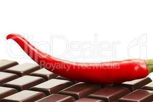 peperoni auf schokoladentafel
