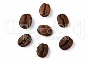 kaffeebohnen im kreis