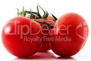 drei rote tomaten