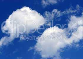 Himmel mit zwei Cumulus Wolken - Blue Sky with Clouds