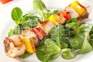 Geflügelspiess mit Salat / poultry skewer with salad