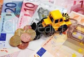 Euro Cash and Banking Concept - Geld schaufeln