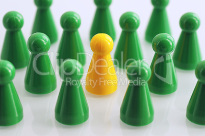 Green Team with yellow Leader in the middle