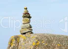 Felsen mit Steinen - Stone Pyramid