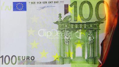100 Euro Schein brennt ab - 100 Euro burning
