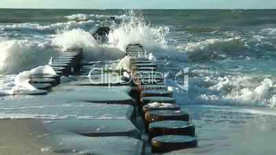 Brandung am Meer - Video - At the Ocean