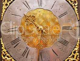 Very Old Clock - Sehr alte Uhr