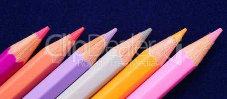 Farbige Buntstifte - Colorful Crayons