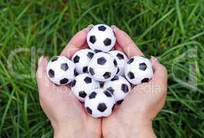 fußbälle und hände - soccer and hands