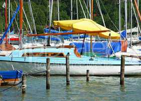 Sonnenschirm & Segelboot - Sunshade & Sailing Boat